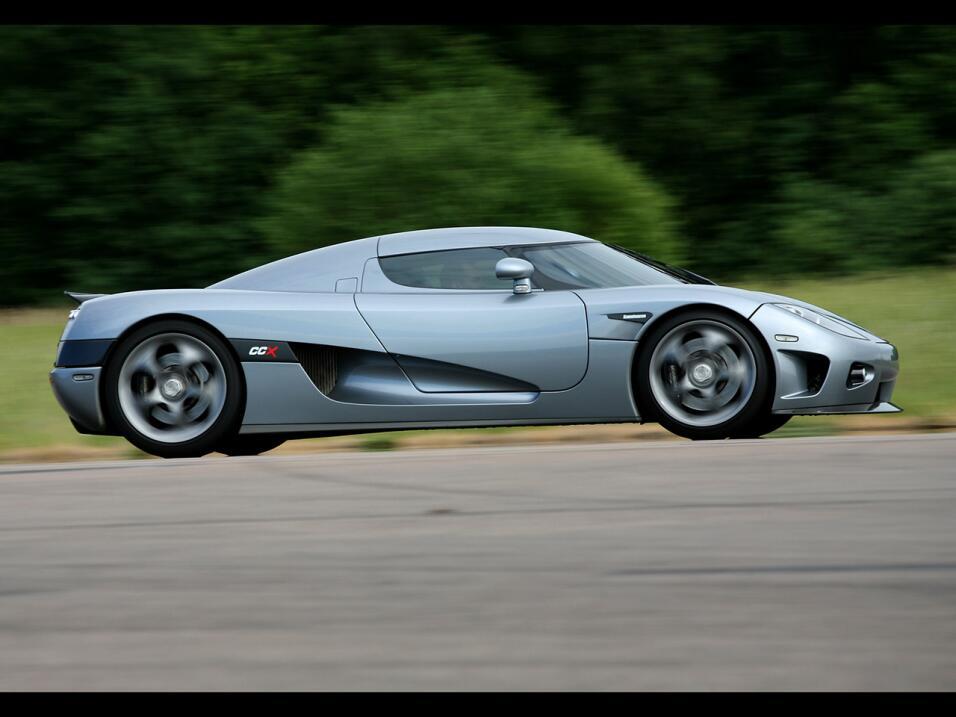 Puesto 6: el Koenigsegg CCX, diseñado por Christian von Koenigsegg y Dav...