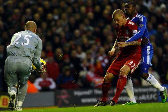 La delantera del Chelsea no estuvo en su mejor partido y no lograron mar...