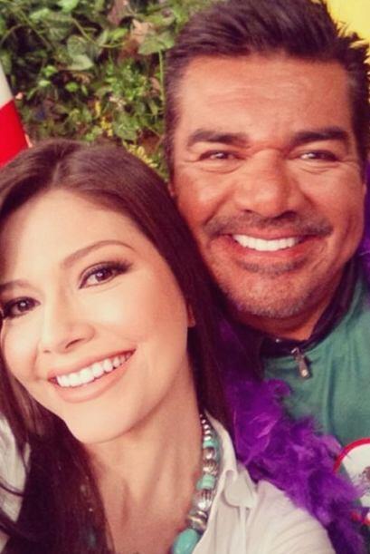 """#Selfie con @GeorgeLopez en @DespiertaAmericaTv"", compartió Ana. (Marzo..."