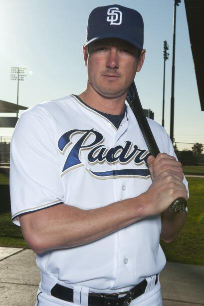 Brad Hawpe será quien reemplazará a Adrián González en la primera base....