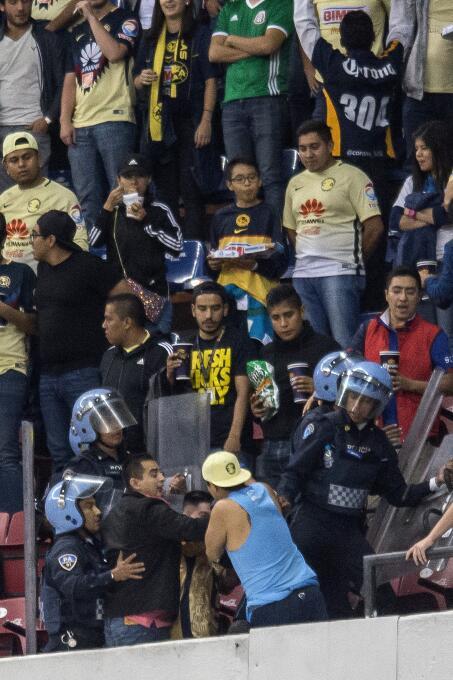 """América vence a Pumas entre polémica, """"Panenkas"""" y mucha emoción. 201708..."""
