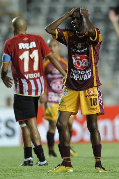 Estudiantes, goleado en su debut en la Copa Libertadores por el Cruzeiro...