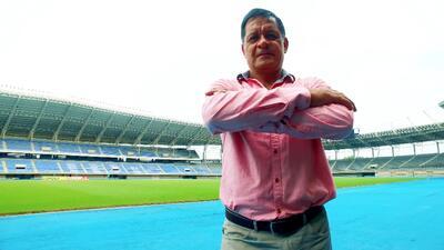 La Selección Nacional de México desata las más intensas pasiones y detrás de su escudo existen héroes anónimos que la llevan al éxito.