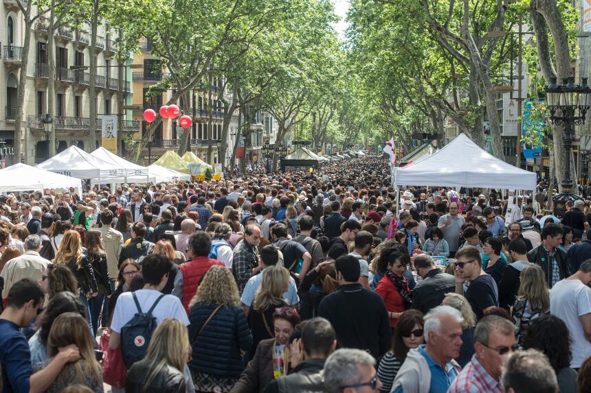 En fotos: Así luce La Rambla de Barcelona en un día normal GettyImages-6...