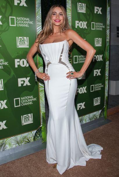 Sofía Vergara fue una de las primeras en llegar a la fiesta que FOX ofre...