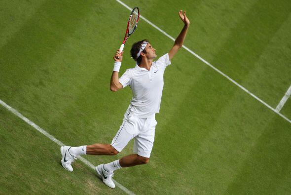 Una hora y 42 minutos le bastaron a Federer para avanzar a la segunda ro...