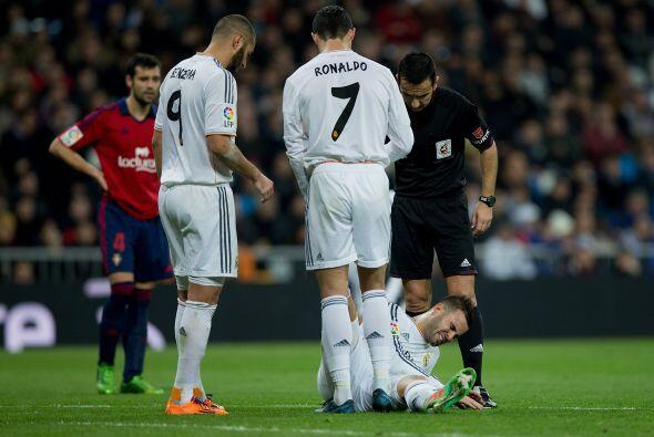 Pero el propio Jesé sufrió una lesión que preocupó a su club.