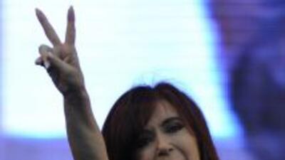 La presidenta argentina Cristina Kirchner pidió apoyar a su gobierno en...