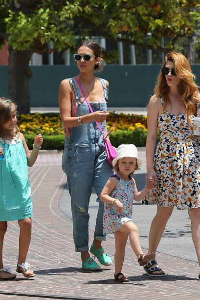 Otro ejemplo de buen vestir para esta temporada calurosa son las hijas d...