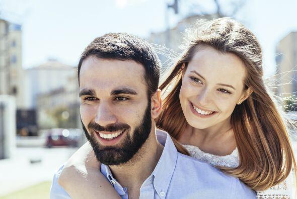 Hombres y mujeres se sienten atraídos por la persona cuya combinación de...