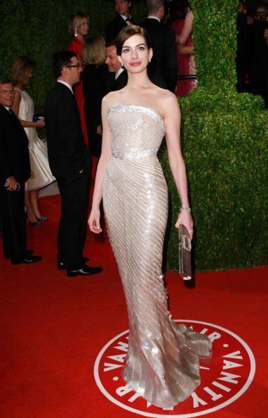 Anne Hathaway acertó en 2009 caminando por la gala de los oscar con este...