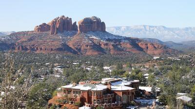 Un recorrido por Sedona, el pueblo turístico al norte de Arizona que en el invierno se viste de blanco