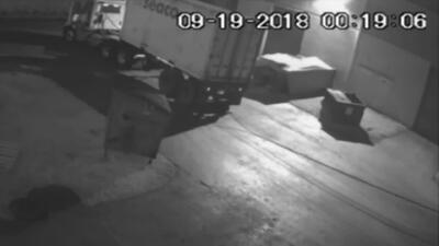 En video: Sujetos roban un contenedor de carne brasileña en Florida
