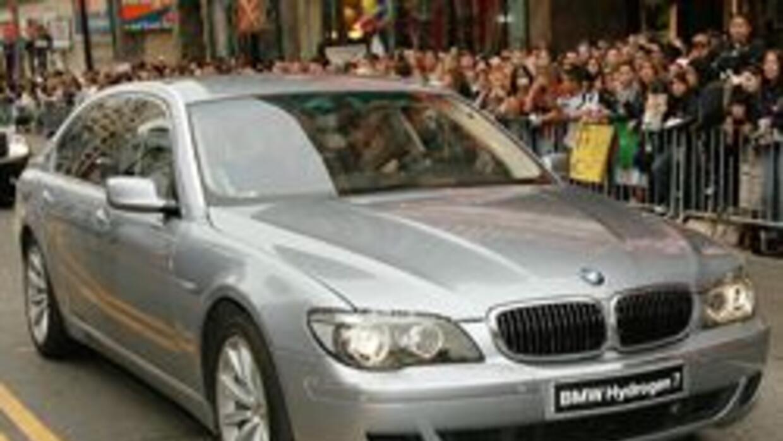 Aumentan robos de bolsas de aire y faros de autos BMW en Los Angeles 523...