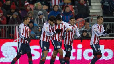 En fotos: Chivas venció 1-2 en ida a Toronto en final y sueña con título de Liga Concacaf