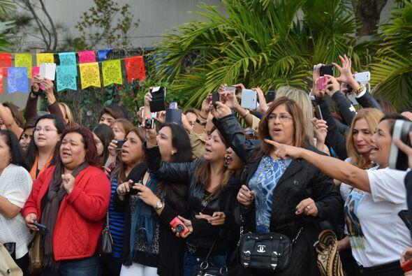 Los fans no dejaban de corear las canciones de  los chicos de El Reencue...