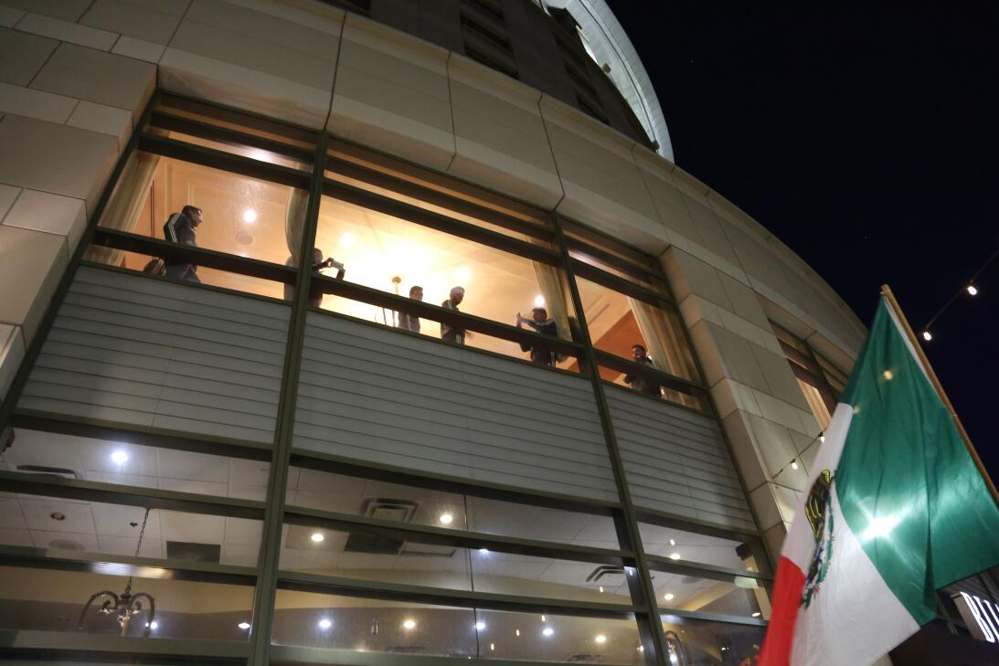 En fotos: Espectacular 'serenata' al Tri en San José avm-7733.JPG