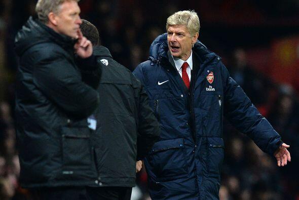 Pero Arsene Wenger no estaba nada contento, ni con su equipo ni con deci...