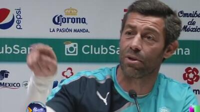 Pedro Caixinha explotó de furia contra la selección, ya que Oribe Peralt...