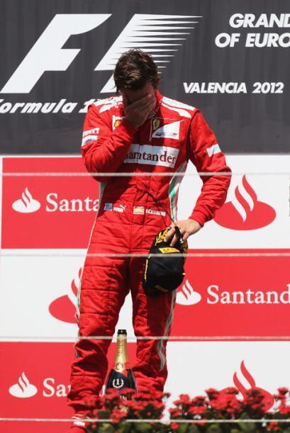 Alonso no pudo contener la emoción de lograr el triunfo en casa.