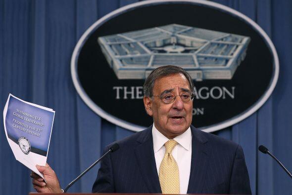 Por su parte Panetta dijo que la reducción de presupuesto militar obliga...