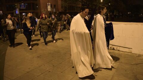 Una estampida ocurrió en Sevilla durante 'La Madrugá',  ocho personas ar...