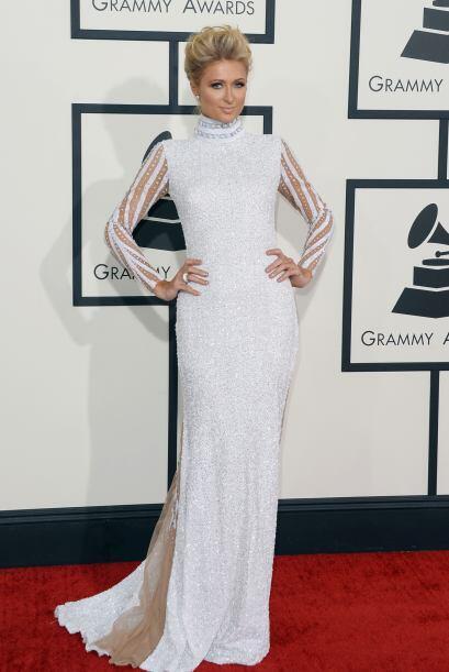 Al principio vimos muy recatada a Paris Hilton, pero cuando se dio la vu...