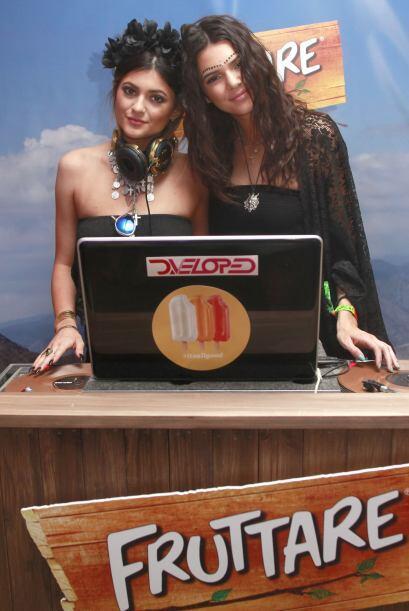 Kendall también se juntó con su hermana Kylie en otro event, en donde ah...