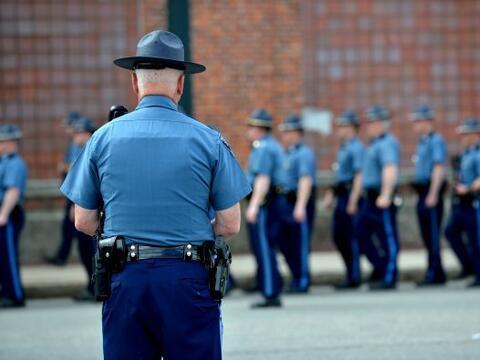 La policía de EEUU aumentó el perímetro de segurida...