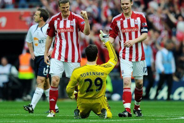 Huth marcó en la goleada del Stoke ante el Bolton para así avanzar a su...