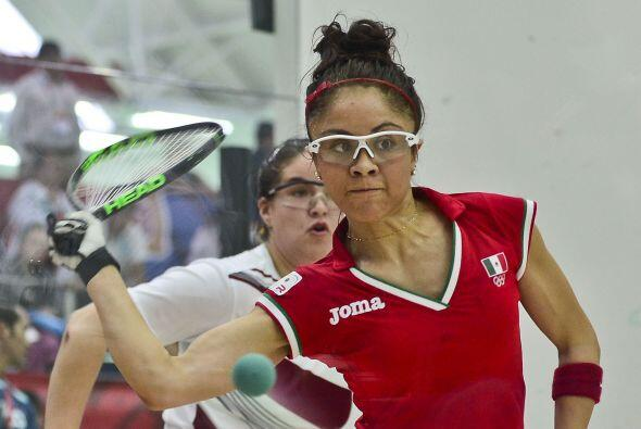 La racquetbolista mexicana Paola Longoria avanzó a semifinales, t...