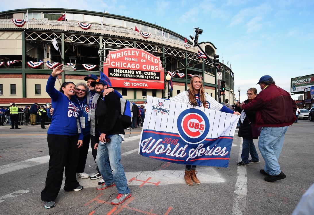 La fe inacabable de los fanáticos de Chicago Cubs  GettyImages-619306278...