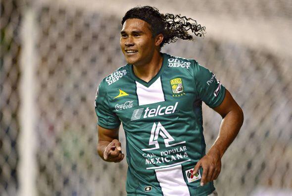 27 CARLOS PE'A.- El 'Gullit' es otro de los futbolistas sensación en Méx...
