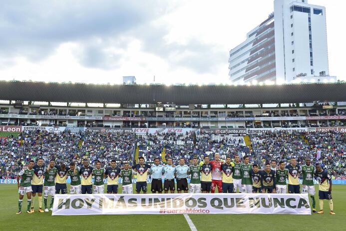 Muestras de apoyo en la Liga MX: León 2-1 América