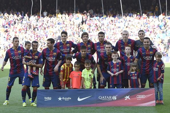 Barcelona despide a Xavi