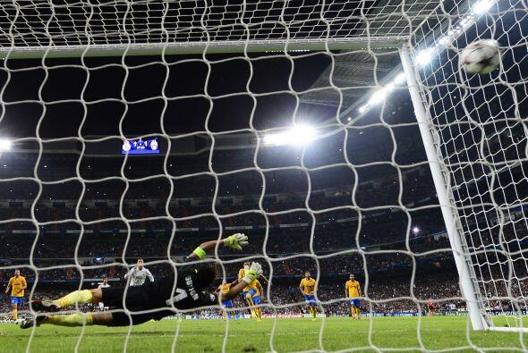 Pero sólo seis minutos más tarde, un penalti le devolvía la ventaja a lo...