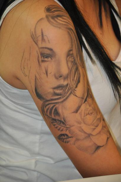 En relación al cuidado de la herida después de un tatuaje...