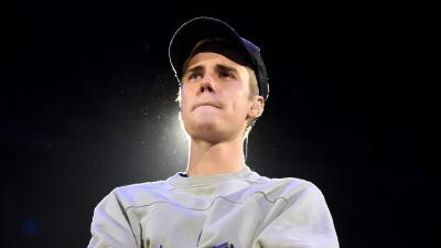 LOS ANGELES, CA - NOVEMBER 13: Singer/songwriter Justin Bieber performs...