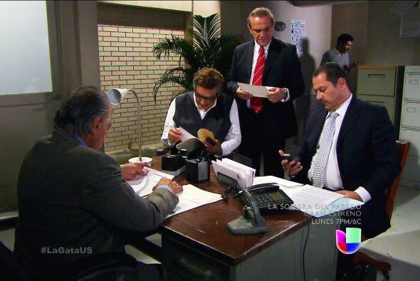 ¡Prepárese Lorenza! Don Fernando y sus abogados tienen todo listo para r...