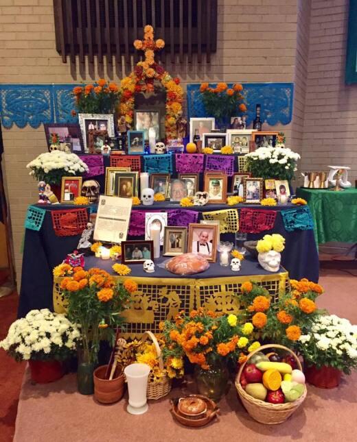 Usuarios de Univision Chicago comparten fotos de sus altares de muerto d...