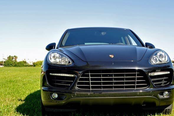 La nueva generación de la Porsche Cayenne Turbo recibió toques estéticos...