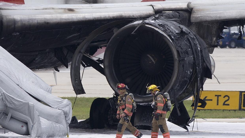 El motor derecho se quemó por completo.