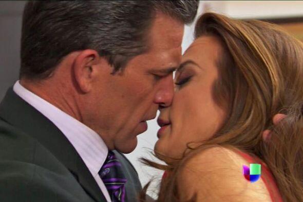 Ha llegadó al límite de intentar besarla a pesar de saber que su corazón...