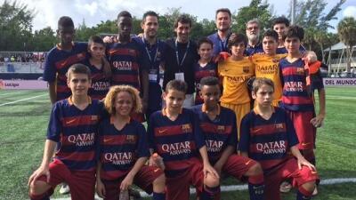 Raúl con niños del Barcelona