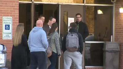 Estudiantes retornaron a las clases en la preparatoria Italy, en Texas,...