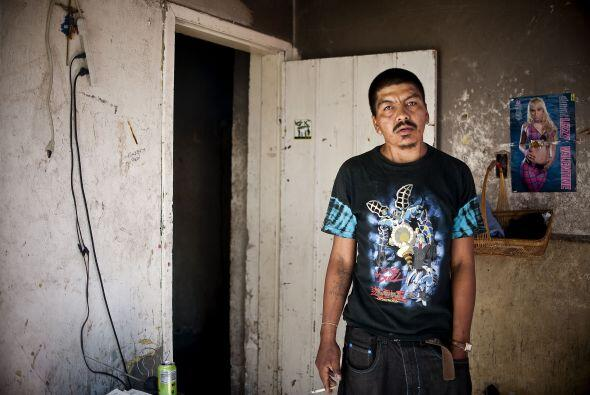 Miles de adictos a las drogas viven en las sombras de Ciudad Juárez, la...