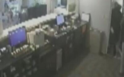 Buscan a dos sospechosos de robar a mano armada un hotel en Fort Lauderdale