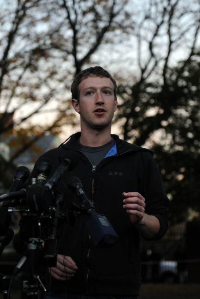 A sus 28, Zuckerberg tiene exactamente la mitad que el promedio de edad...