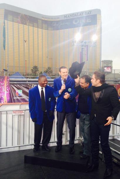 Ni estando en Las Vegas El Dasa se olvida que es miembro honorario de El...