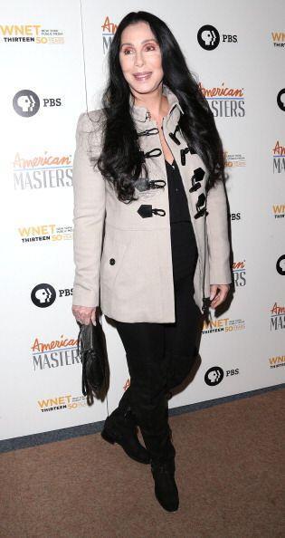 Claro que los años han hecho madurar a Cher y, a la vez, nos han permiti...